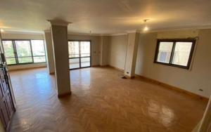 شقة للبيع 210م سوبر لوكس فى المنطقة السادسة على فيو حديق�